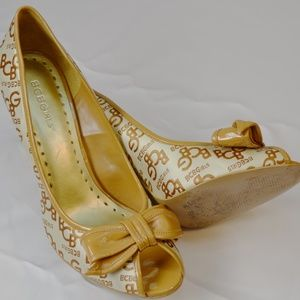 BCBG Heals Size 9.5 B Gold and Ivory Worn Once